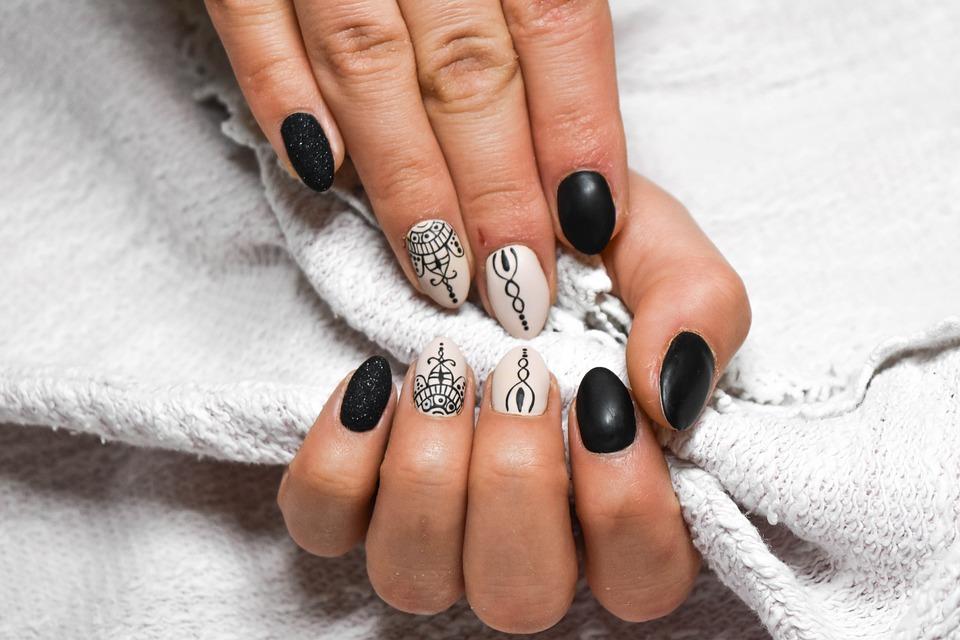manicure hybrydowy mokotów